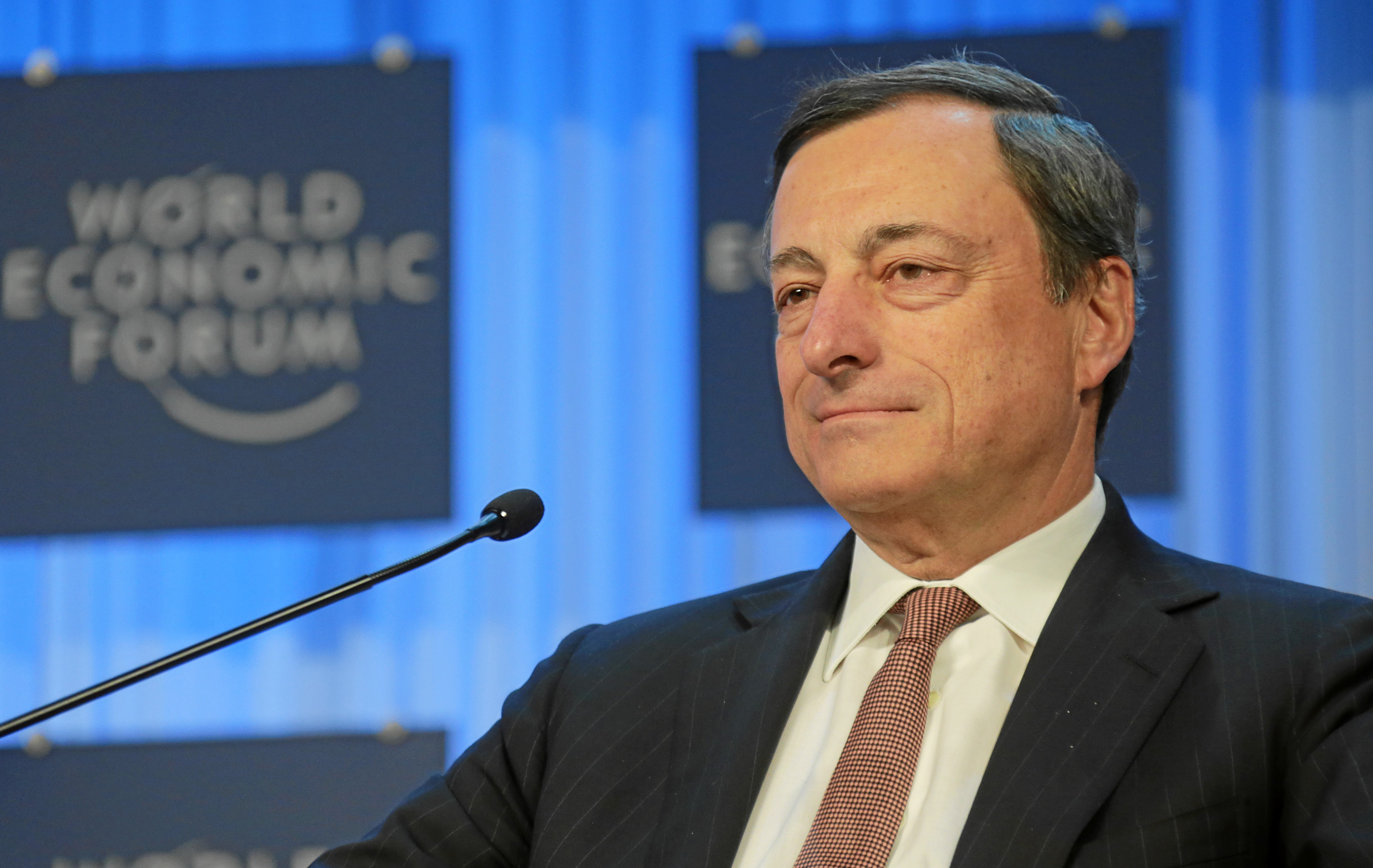 Draghi: Neither useful nor necessary the restructuring of the greek debt