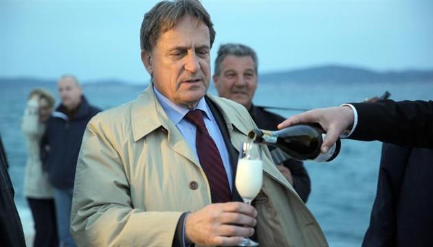 HDZ's former minister under investigation for bribery