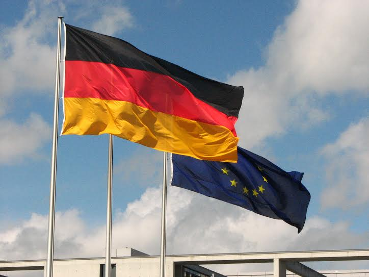 Germans launch a diplomatic offensive for the solution of the political crisis