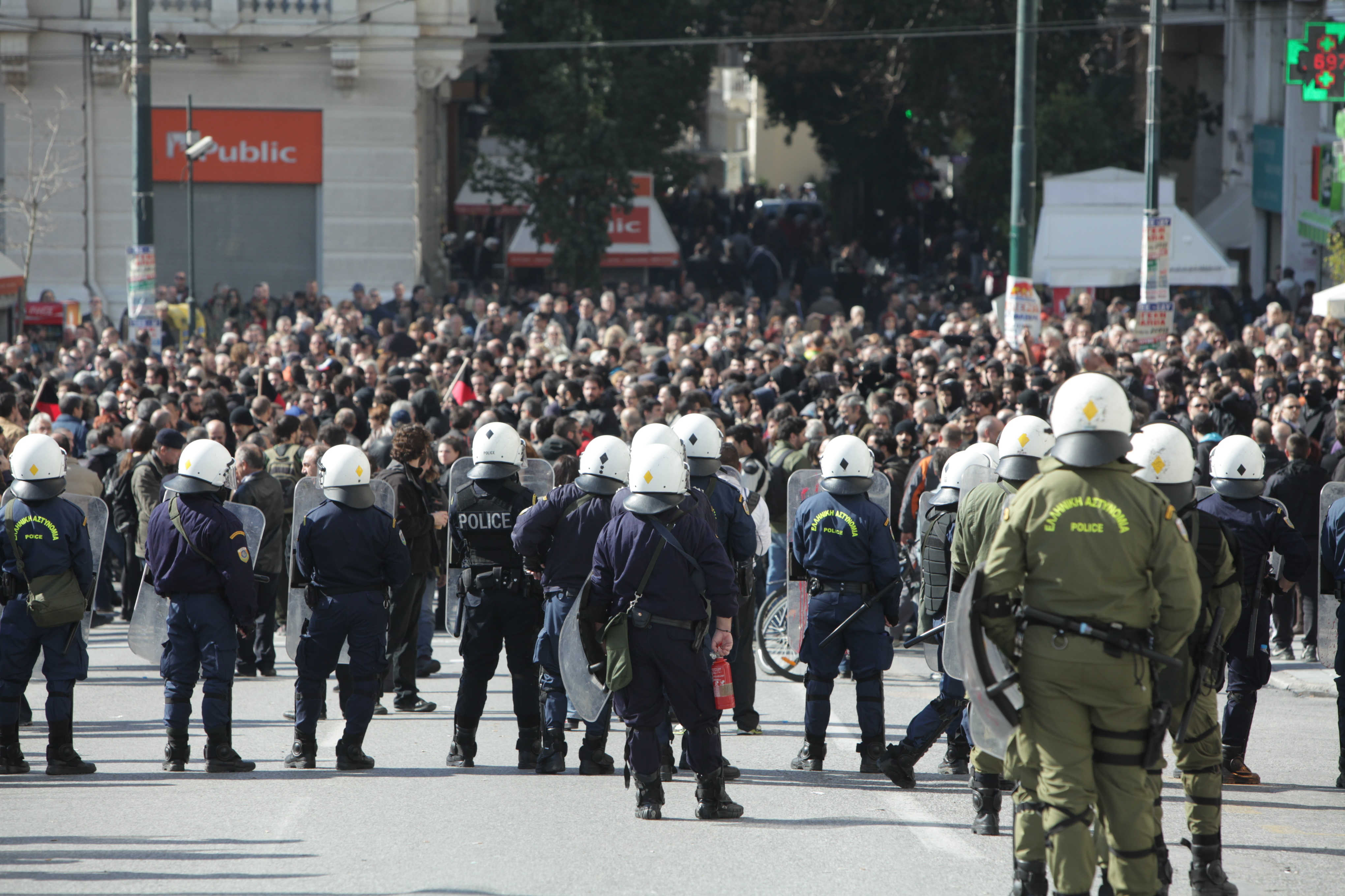 7,000 policemen on guard for the anniversary of the 'Polytechnic uprising'