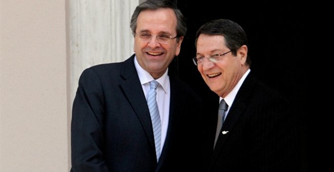 Samaras supports Anastasiades' decision to suspend participation in Cyprus talks