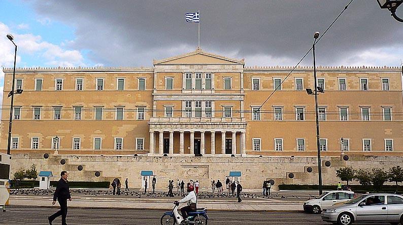 Greek PM rules out early election; bailout exit plans dealt blow