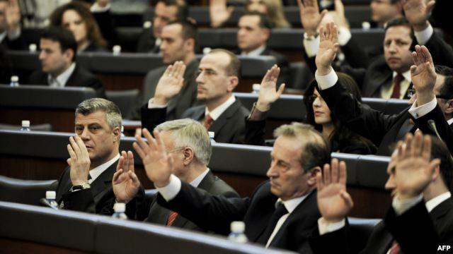 Kosovo's parliament votes the 2015 budget