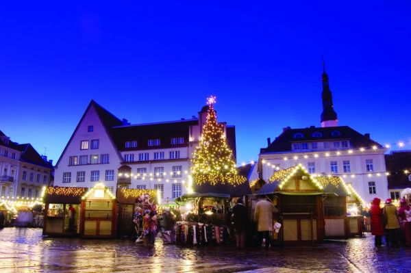 A third of Romanians want to spend double for Christmas