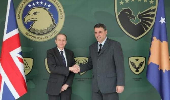 Cliff promises UK's support for the army of Kosovo