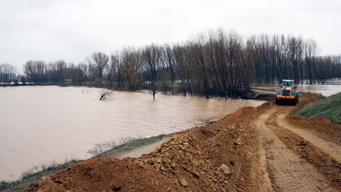 Greek Defence Minister calls for the mobilisation of the Greek army for the floods in Evros