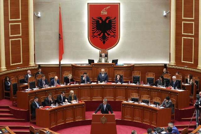 Clashes within the Albanian majority about the Greek minority