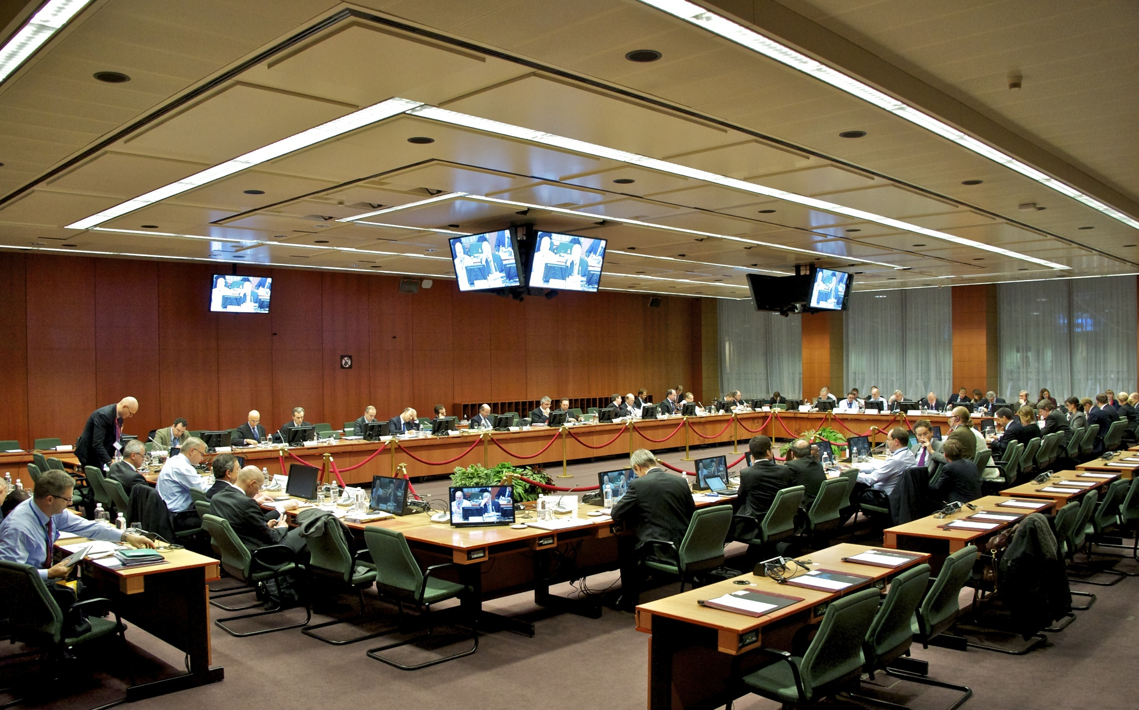 Agreement by December 14 asks the EuroWorking Group