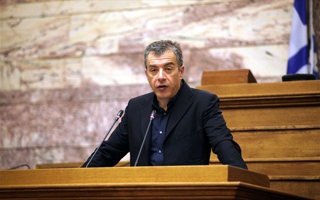 Theodorakis: Government with far-rights, conspiracy theorists and anti-Europeans
