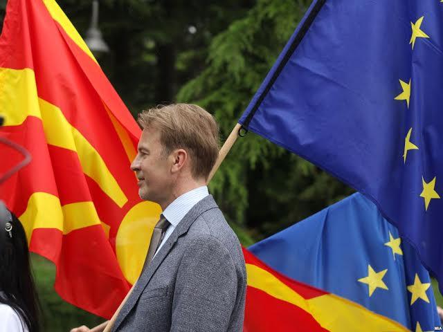 EU ambassador demands wide consensus for constitutional changes in FYROM