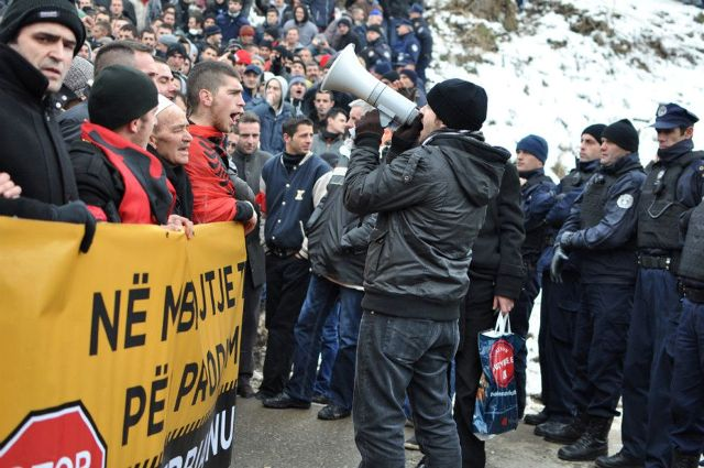Protests grow, Kosovo heading to bankruptcy