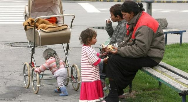 Roma community, the most marginalized and discriminated in FYR Macedonia