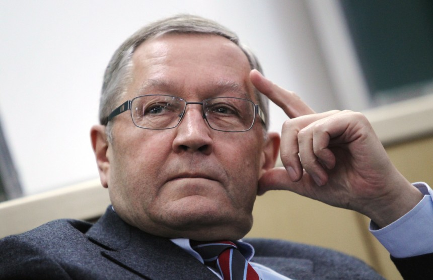 Klaus Regling: Continue the reforms and we will discuss on a debt relief