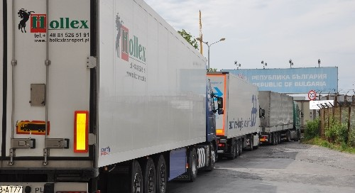 Bulgaria trade gap in January-October 2014 widens year-on-year