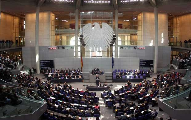 German MPs approve Greek bail-out extension