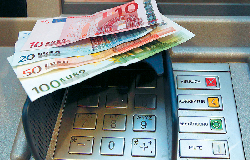 Deposits' outflows in January exceeded EUR 12 bn