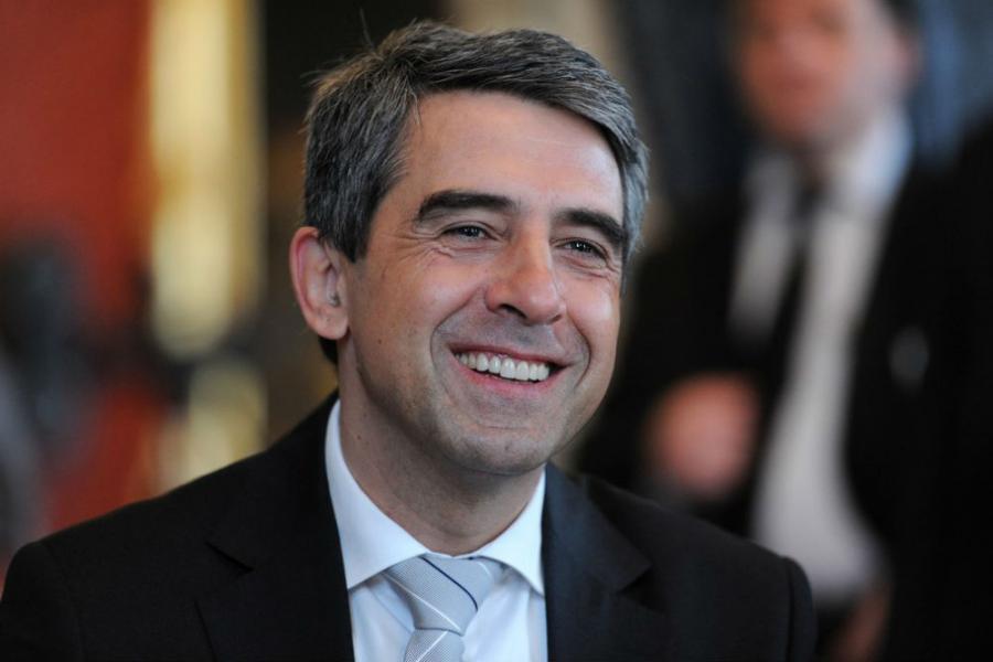 Bulgarian President says will not veto Cabinet's new debt plan