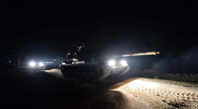 Turkey invaded Syria with 60 tanks