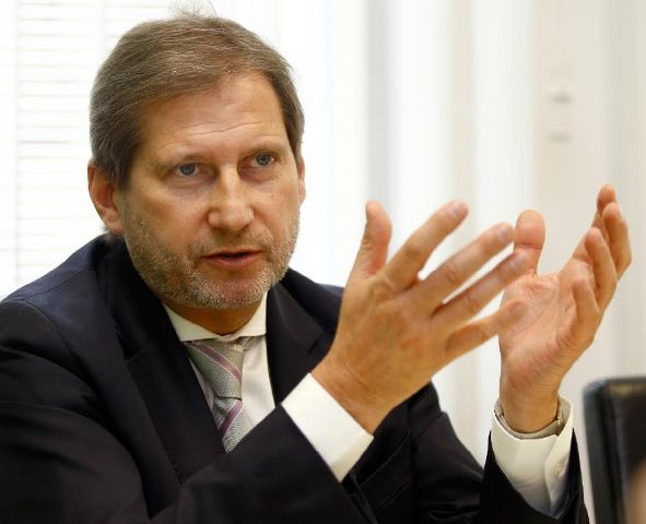 EU Enlargement Commissioner Hahn demands an investigation over the eavesdropping scandal in FYROM