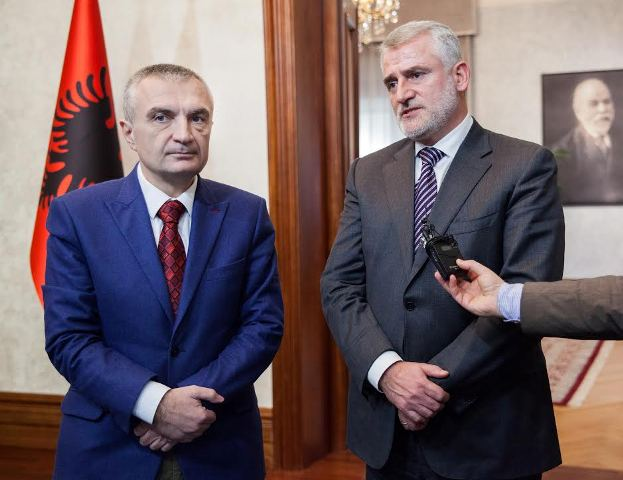 Albanian speaker of parliament meets with the head of Albanian opposition in FYROM