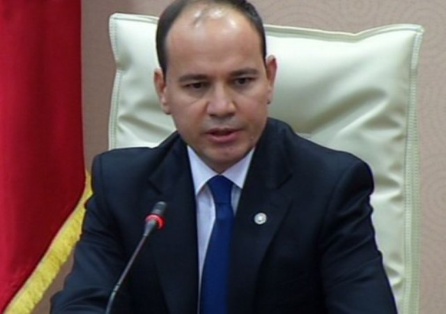 President of Albania decorates KLA fighters without mentioning KLA at all