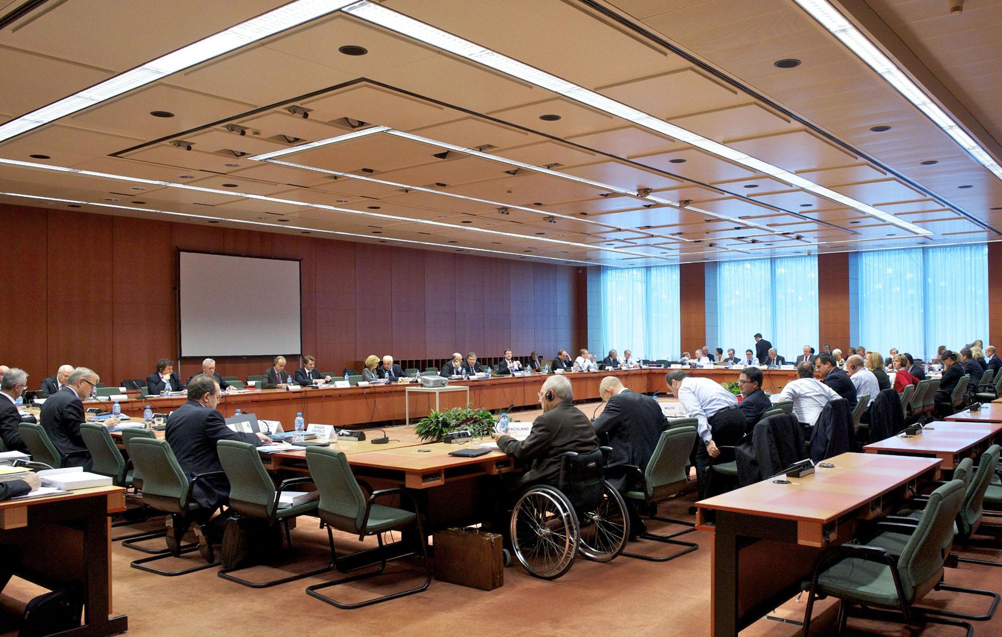 Eurozone issues Greece an ultimatum