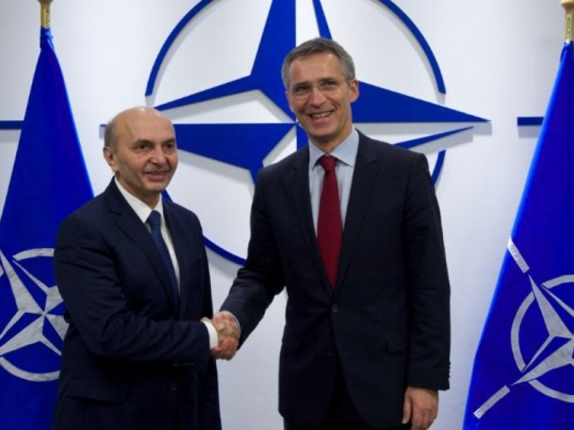 PM Mustafa demands support from NATO for the Army of Kosovo