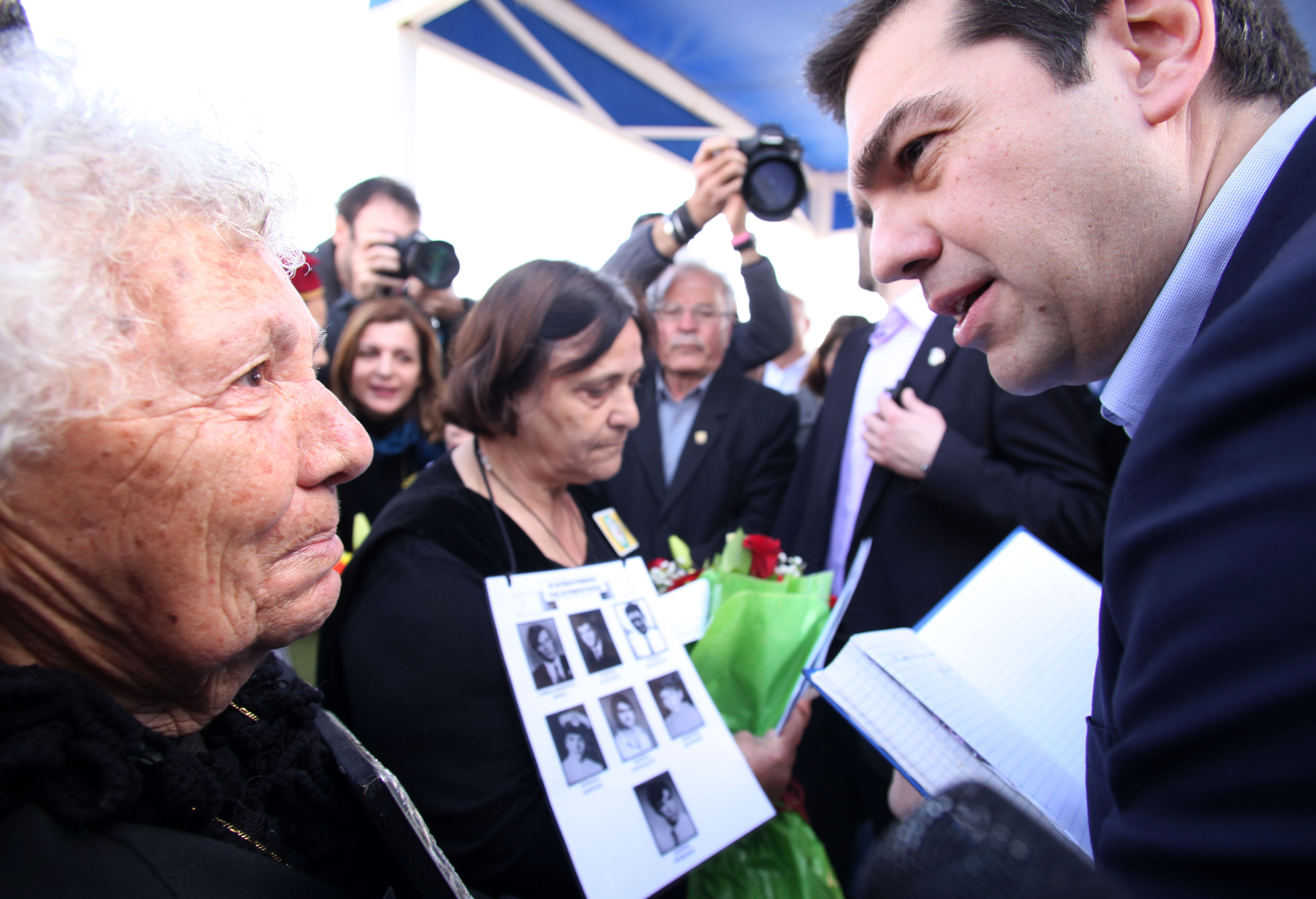 Tsipras visited military cemetery in Nicosia