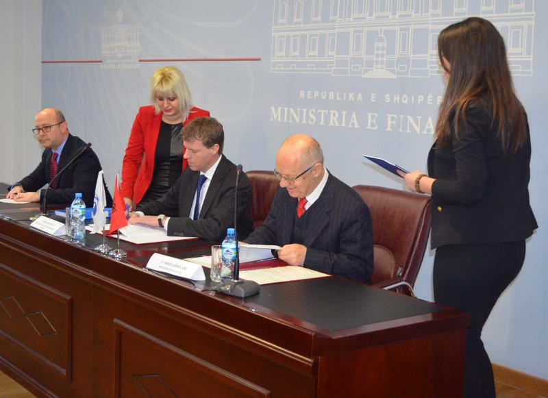Albanian government borrows another 17 million Euros for the Vlora Bypass