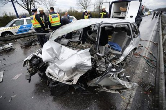 Three Greeks international footballers involved in car accident