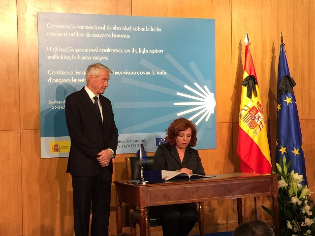 Albania signs the Convention of the Council of Europe against the trafficking of human beings