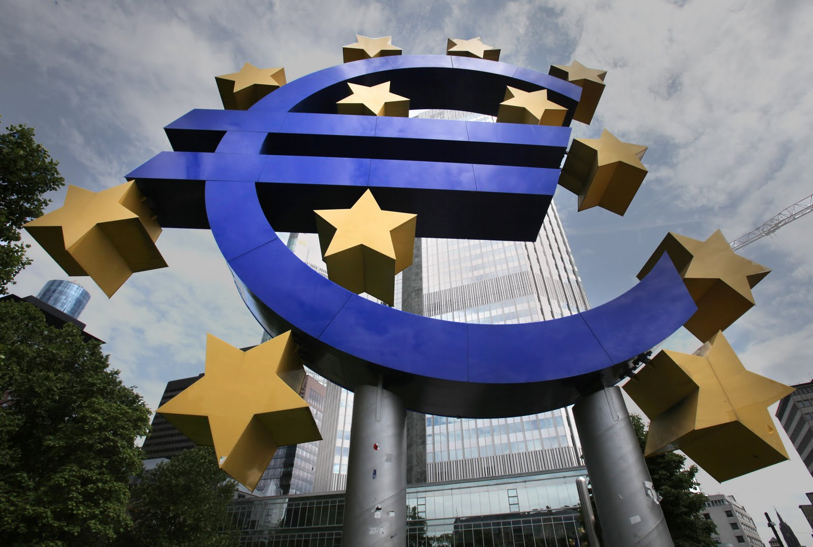 ECB forbids Greek banks from purchasing Treasury bonds