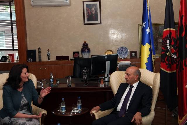 State leaders in Kosovo thank NATO for the liberation of Kosovo