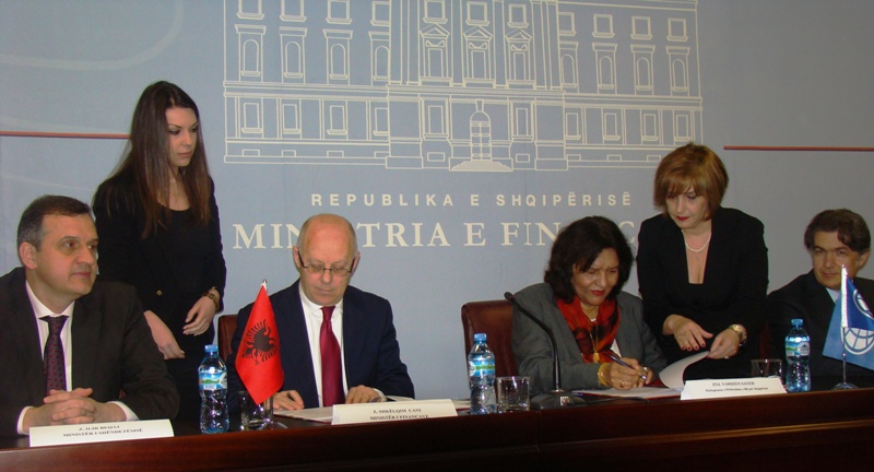 Albania borrows another 32 million Euros from the World Bank for the health sector