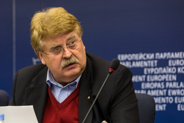 European Parliament expresses its concern about the serious accusations addressed against the speaker of Albanian Parliament