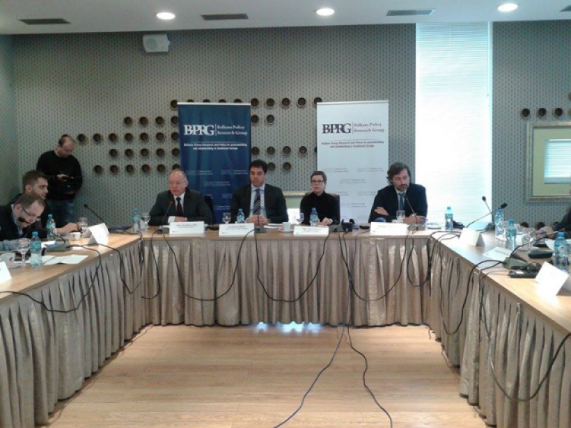 Talks between Kosovo and Serbia facing many difficulties