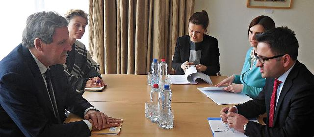 EU urgently demands political dialogue, says FYROM's deputy PM