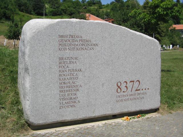 Arrests in Serbia over the Srebrenica massacre