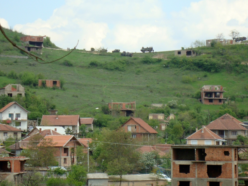 Serbs in the north of Mitrovica do not allow the construction of the homes of Albanians