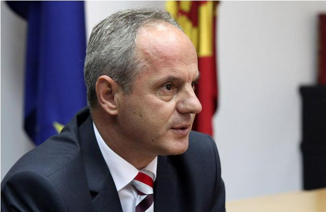 Minister of Justice demands political intervention for the solution of the crisis