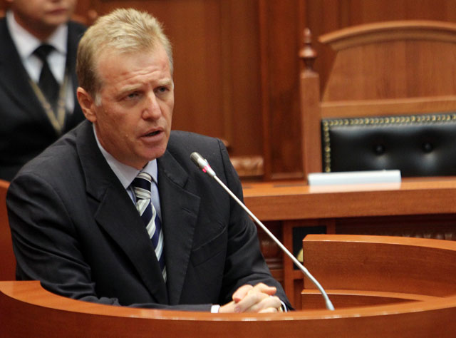 Parliamentary committee identifies 19 Albanian MPs with criminal records