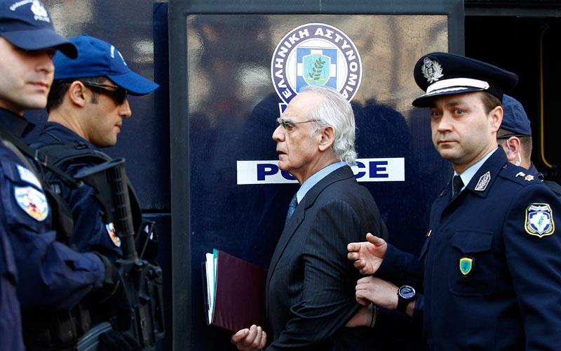 Prosecutor calls Simitis, Venizelos, Papantoniou to testify at the Tsohatzopoulos trial