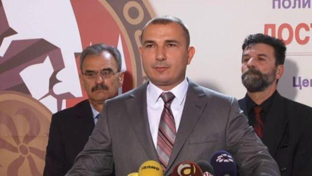 Opposition party leader demands PM Gruevski's resignation