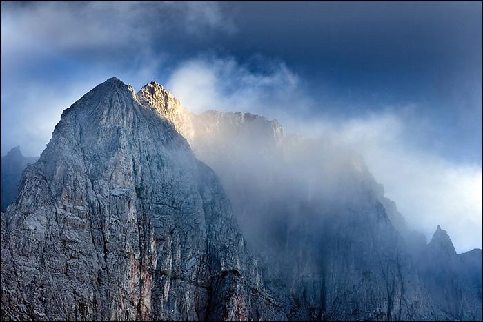 Avalanche Kills Three in Bulgaria's Pirin Mountain
