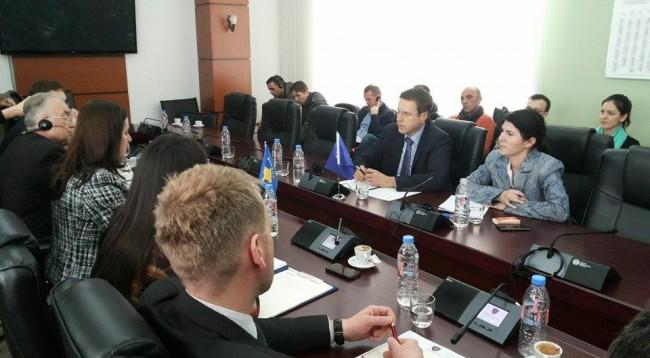 Unlawful migration prevents the liberalization of visas, says EU ambassador Zbogar