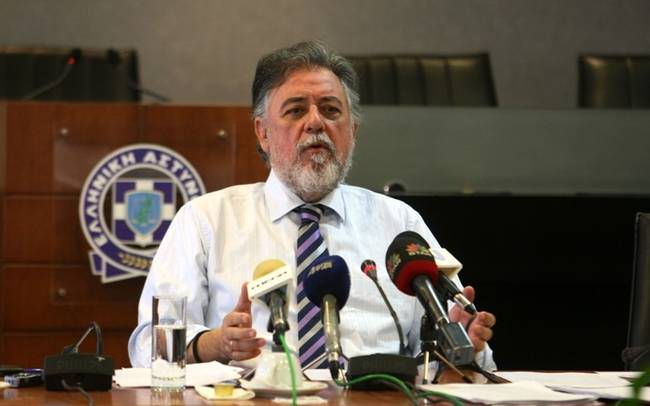 No official decision on undocumented migrants Panousis says