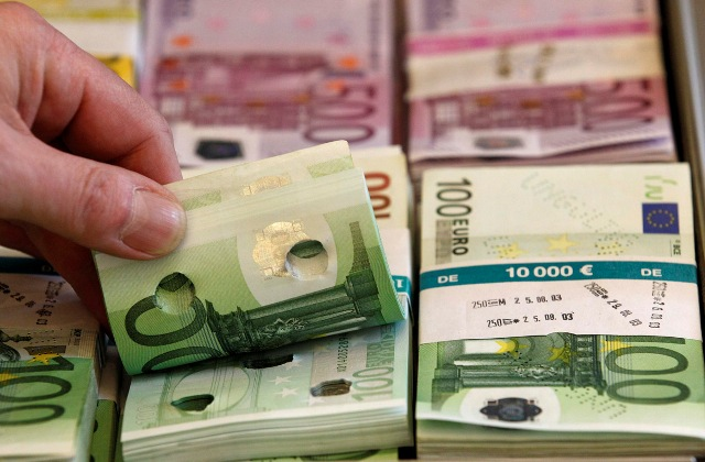 Skopje, government says that it has started to pay foreign debt