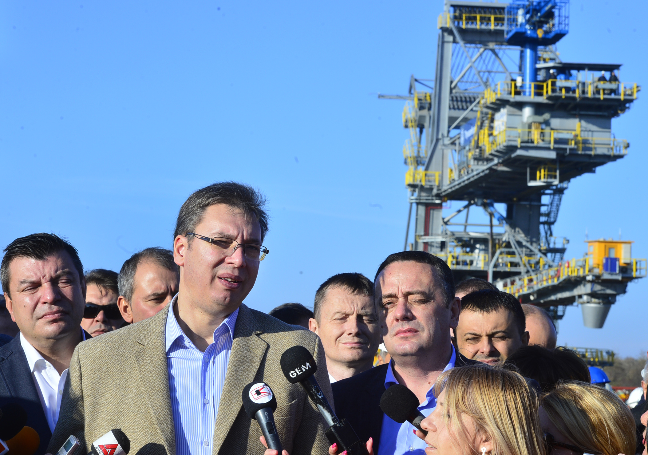 Vucic held cabinet meeting in coal complex, announced 'sweet' reshuffle