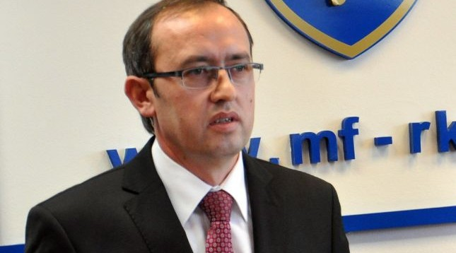 Kosovo requests funds from IMF and World Bank