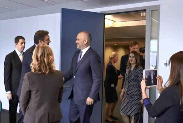 Prime ministers of Albania and Serbia meet in Brussels, joint appeal to the EU
